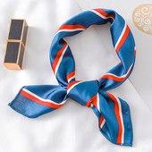 Retrouvez notre foulard à nouer «kim » sur bandalia.fr 💙  ________  #bandalia #foulard #inspiration #scarf #love #bandeau #carréensoie #foulardànouer #tendance2021 #instadaily #accessoires #cheveux #coiffure